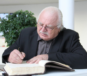 Milan Knížák diskutoval Na Karmeli