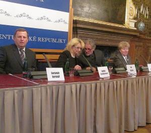 Konference, která se odehraje Na Karmeli, byla představena v senátu